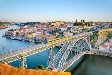 Porto-MapicsFotolia