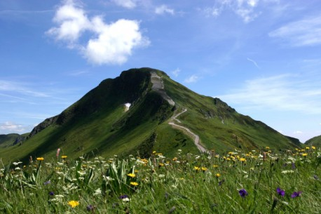 LE PUY MARY (CANTAL)