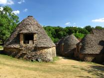 LES CABANES DU BREUIL et JARDINS D'EAU (Curiosités en Dordogne)